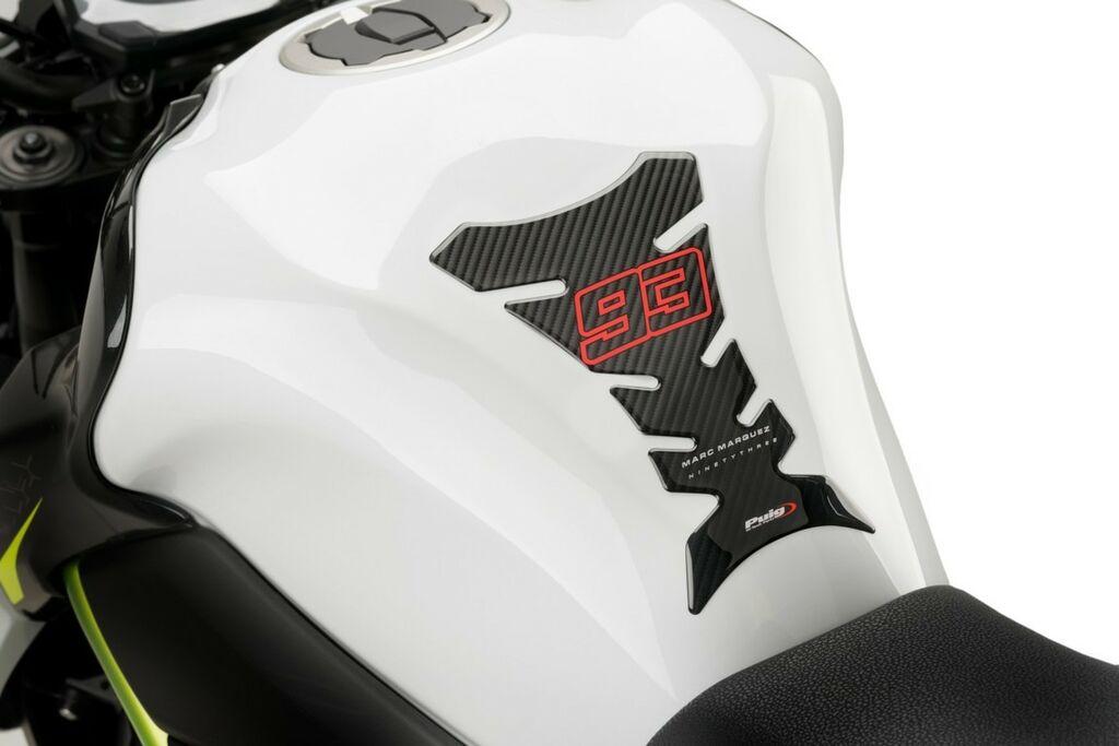 Obrázek produktu Tankpad PUIG 93 MARC MÁRQUEZ karbonový vzhled