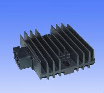 Obrázek produktu Dobíjecí relé/regulátor napětí TOURMAX