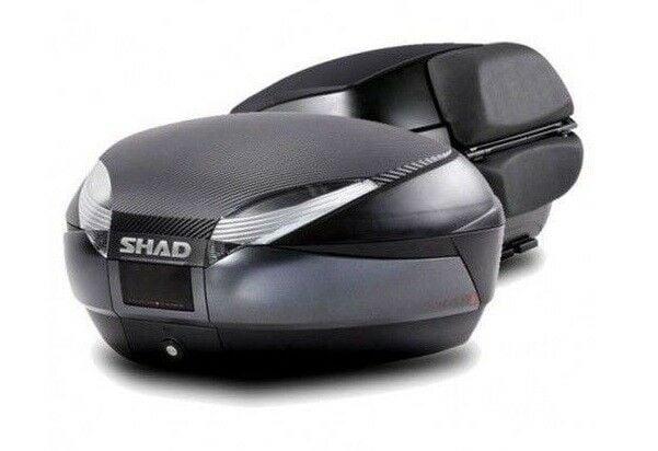 Obrázek produktu Vrchní kufr na motorku SHAD SH48 Tmavě šedý vč. opěrky, karbonového víka a zámku PREMIUM lock