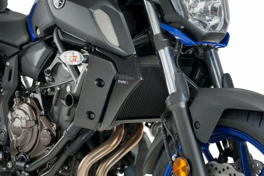 Obrázek produktu Boční kryty chladiče PUIG karbonový vzhled včetně samolepek 9730C
