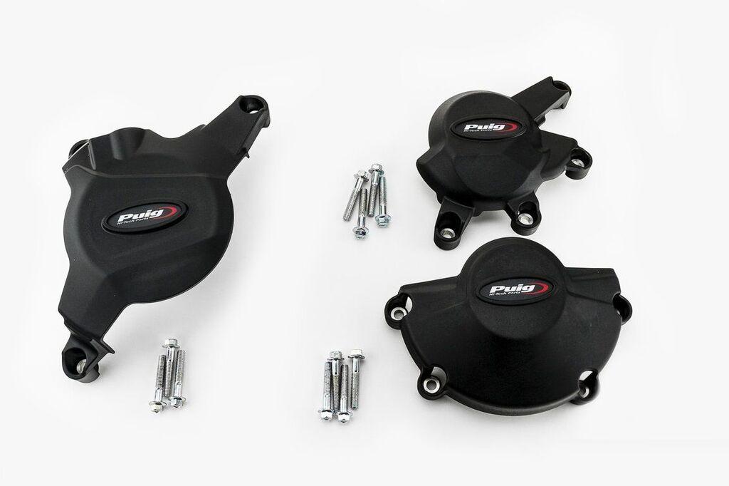 Obrázek produktu Ochranné kryty motoru PUIG černý zahrnuje pravý, levý kryt a kryt alternátoru 20121N