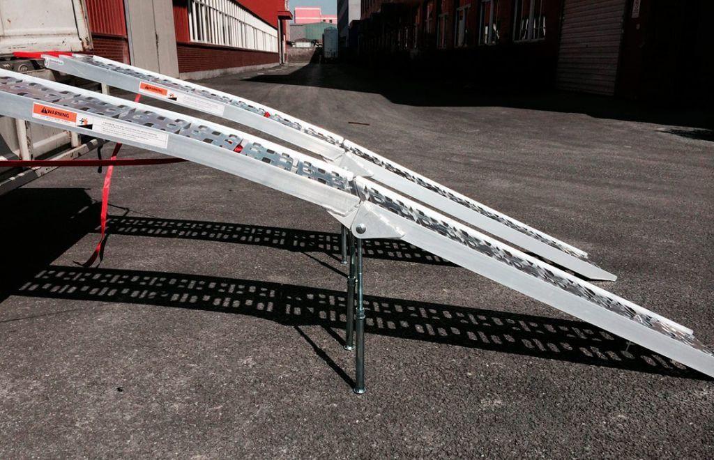 Obrázek produktu Nájezd Heavy Duty pro HD, silniční motorky skládací hliníkové, nostnost 680 kg - 1ks 01CZ2015 - 1KS